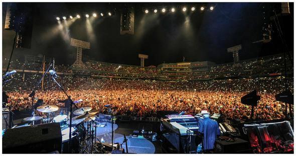 Vivi Q Teleprompting at Tom Petty Concert